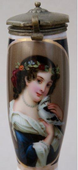 Mädchen mit Taube, Porzellanmalerei, Pfeifenkopf, D0925