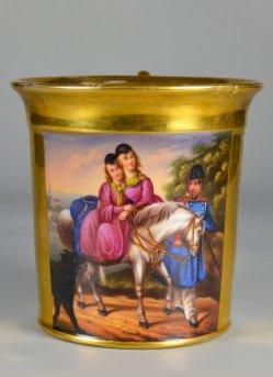 Olga und Alexandra, Töchter des Zaren Nikolaus I. auf einem Pferd, Porzellanmalerei, Tasse, D2273.jpg