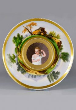 Kind mit Hampelmann, Porzellanmalerei, Untertasse, D2382b