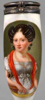 Frauenportrait mit Schal, Porzellanmalerei, Pfeifenkopf, D2336-1