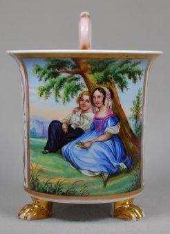 Franz Xaver Winterhalter (1805 – 1873), Bruder und Schwester, Porzellanmalerei, Tatzenfußtasse, D1174