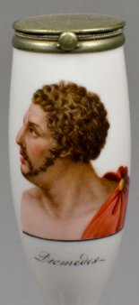 Diomedes, Brustbild, Porzellanmalerei, Pfeifenkopf, D1131