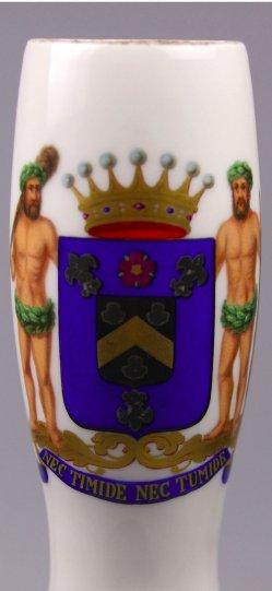 Wappen Freiherr E. H. v. R., Porzellanmalerei, Pfeifenkopf, D1605